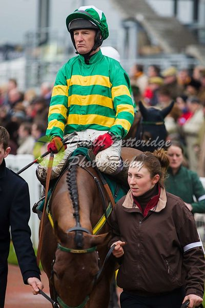 Cheltenham_Gold_Cup_Day_2015_-163