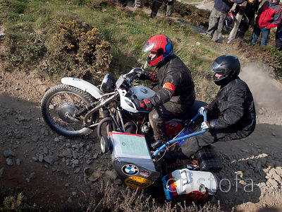 a BMW Wasp R100RT sidecar climbs the steep hill on the Blue Hills section of the MCC Land's End Trials