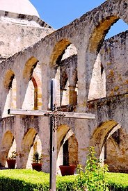 Cross_and_arches