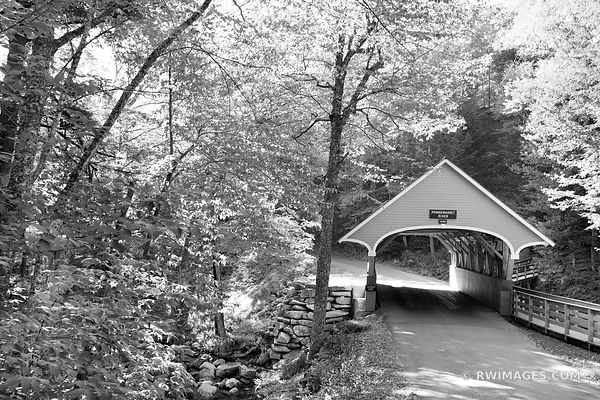 COVERED BRIDGE ON PEMIGEWASSET RIVER FRANCONIA NOTCH STATE PARK NEW HAMPSHIRE BLACK AND WHITE