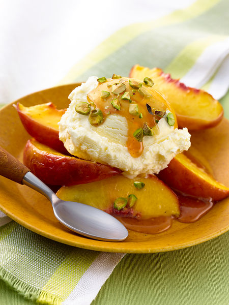 ginger_roasted_peaches-ice_Cream