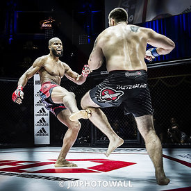 19092015CageEncounter4_DSC3211