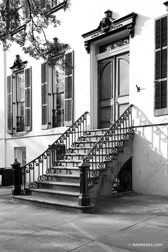 SAVANNAH GEORGIA ARCHITECTURE BLACK AND WHITE VERTICAL