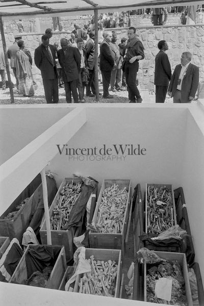 Enterrement des Os de Victimes Non Identifiées - Burial of the Unidentified Victims' Bones