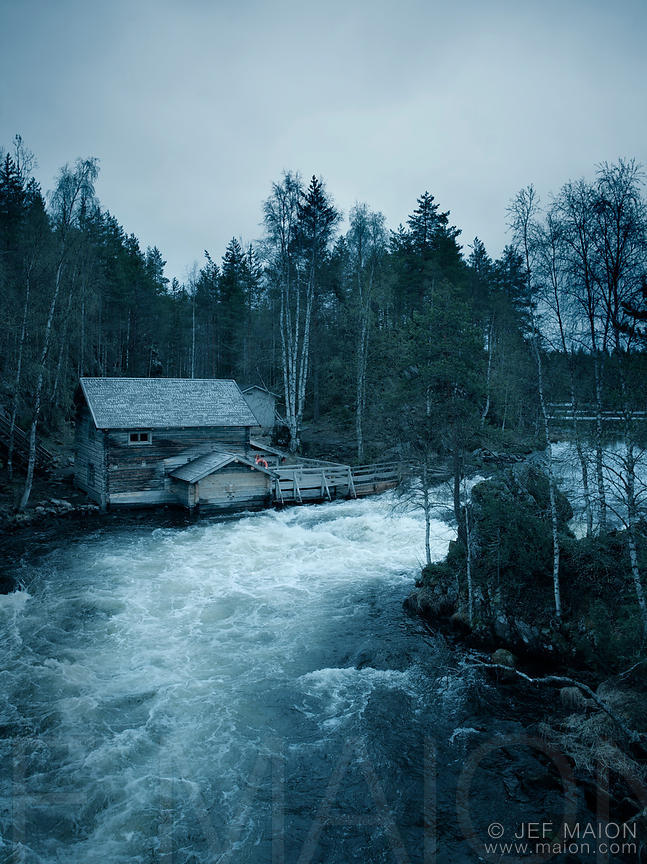 Old timber house and rapids