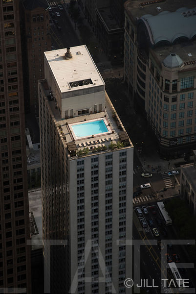 Chicago-rooftop-pool-Jill-Tate-01