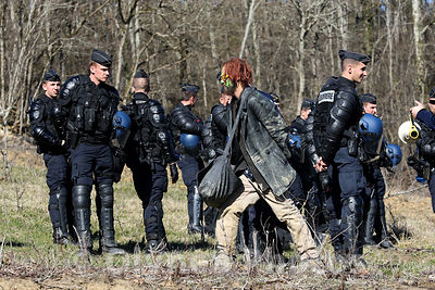 © Sebastien LAPEYRERE / Olynea photos ;Lisle sur Tarn France March 6th, 2015 Evacuation and expulsion of opponents Sivens dam project and Zadist ZAD occupying the area to defend Sivens by mobile guards gendarmerie following the decision of the justice of the expulsion of Testet site .