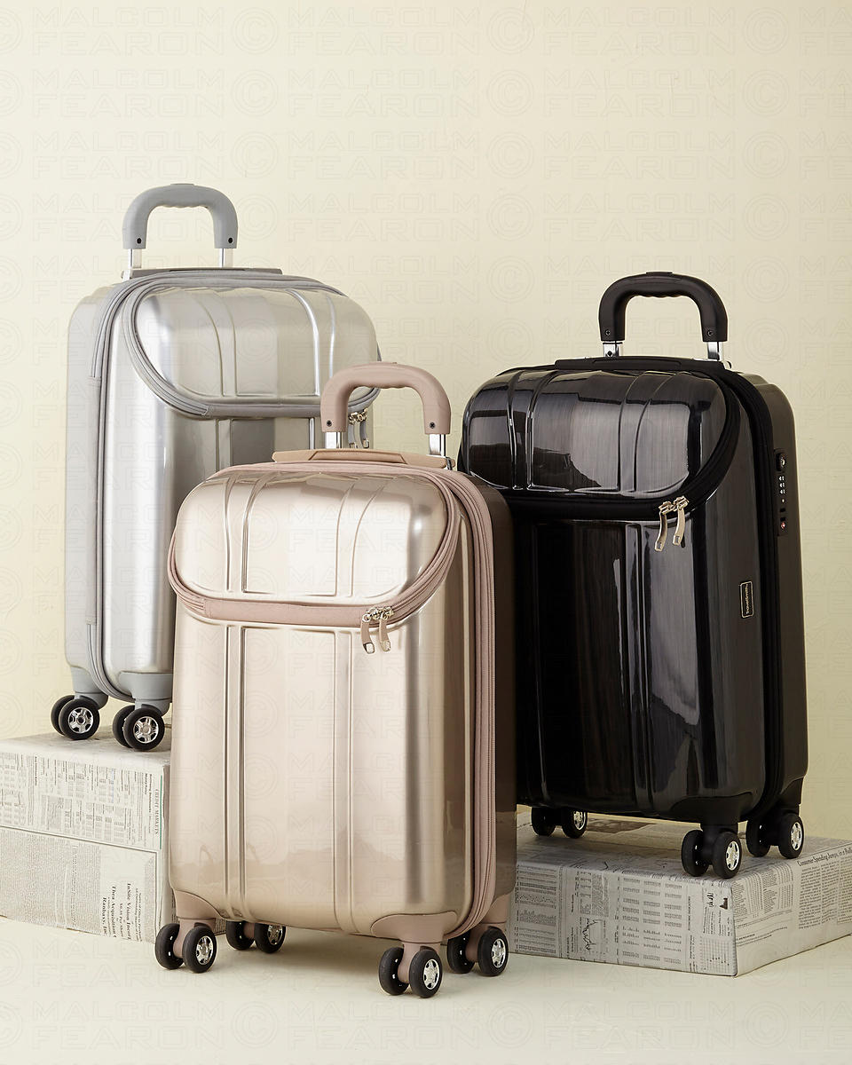 rolling luggage group