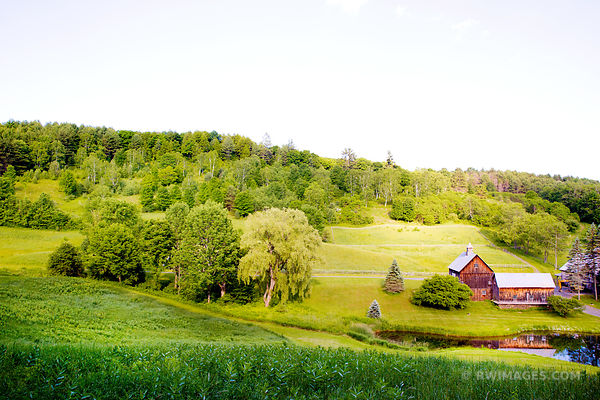 OLD BARN GREEN HILLS RURAL VERMONT COLOR