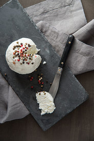 Goat_cheese_7163
