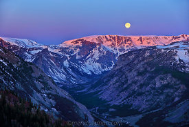 673 Moonset over Beartooth Mtns.