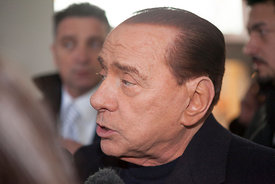 Silvio Berlusconi arrives at Rome' sCiampino airpor