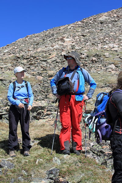 John and Mariana discussing about the hike