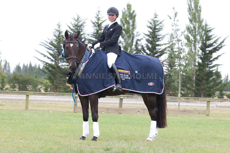 SI_Dressage_Champs_260114_410