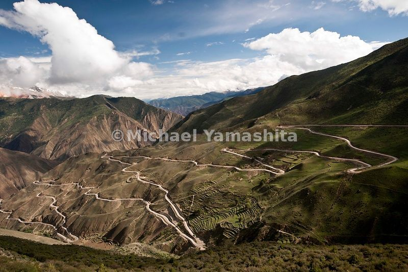 Chamadao, route 318. Zar Gamala pass with it's 180 switchbacks. Highest vertical climb in Tibet, from 1700 m to 4658m................................
