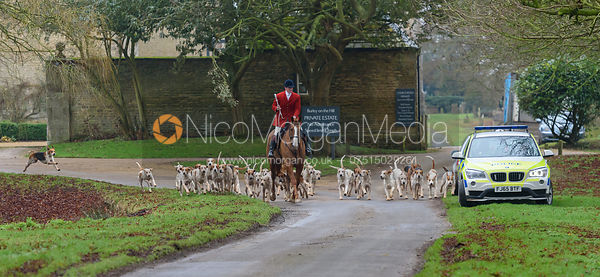 leaving the meet - The Cottesmore Hunt at Burley 21/1
