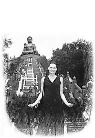 29_Kathy_Soaking_wet_at_Lantau_Buddha_sketch_300