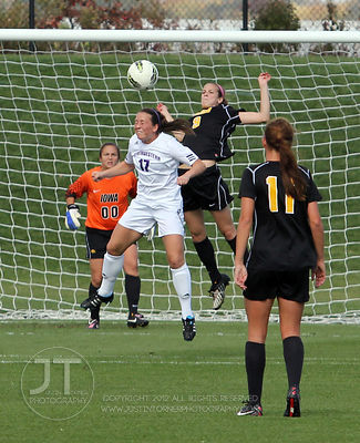 IOWA_NORTHWESTERN_SOCCER09