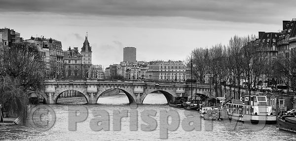 """La Seine"" seen of ""le Pont des Arts"" Paris 1st"