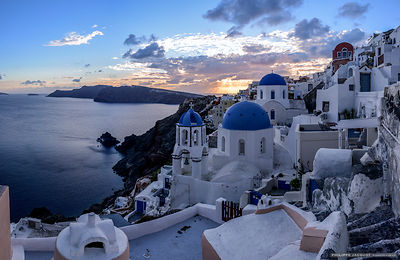 Oia twilight - Santoron Greece