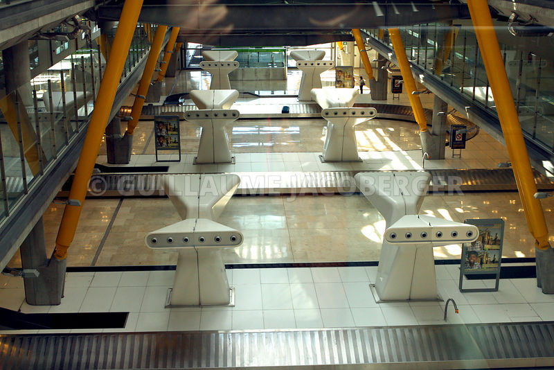 Airport_Madrid_02