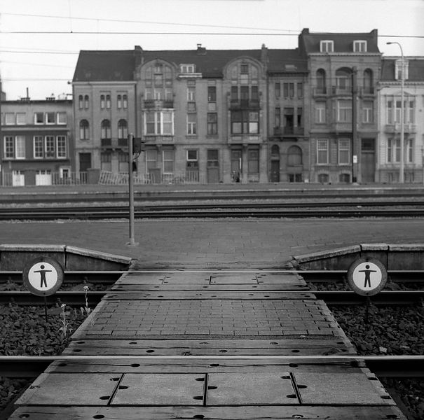 021-Europe_P094024_Train_Tracks_Kortrijk_Preview