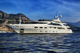 superyacht Falcon