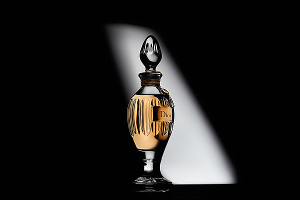 Still Photograhy: The Christian Dior Amphora Perfume bottle