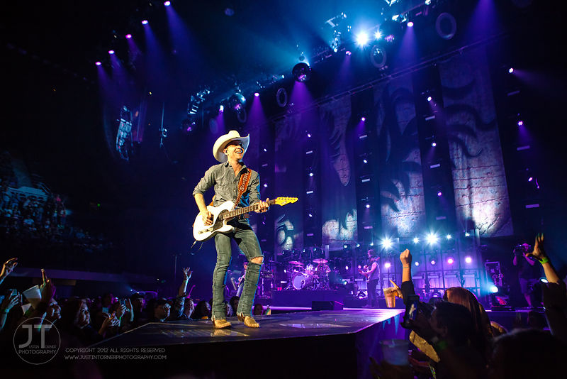 Hoopla - Justin Moore, US Cellular Center, March 14, 2015 photos