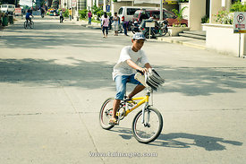 paper boy for newspaper delivery in philippines