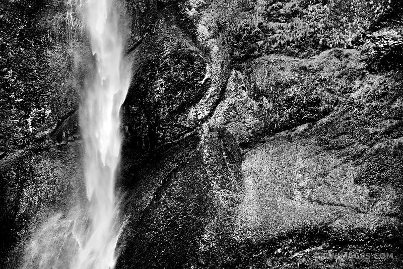 MULTNOMAH FALLS COLUMBIA RIVER GORGE OREGON BLACK AND WHITE
