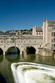 Rier Avon and Pulteney Bridge, Bath, Somerset, England, United Kingdom