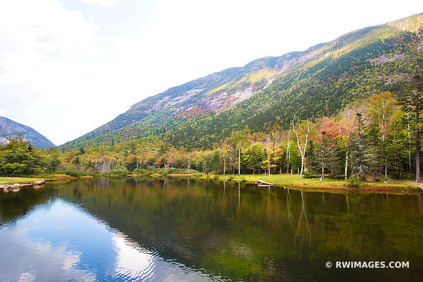 WILLEY POND CRAWFORD NOTCH STATE PARK WHITE MOUNTAINS NEW HAMPSHIRE FALL COLORS