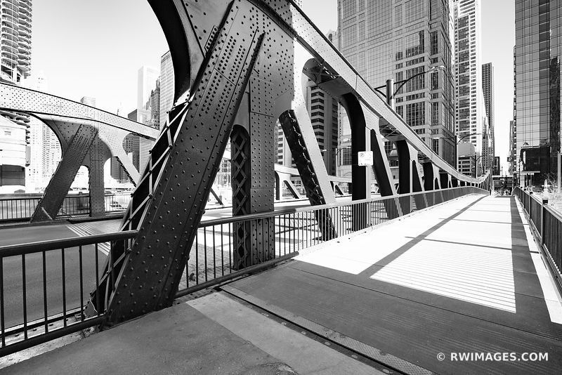 LA SALLE BRIDGE CHICAGO ILLINOIS BLACK AND WHITE