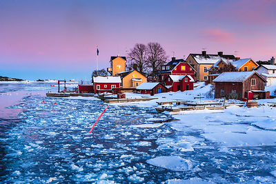 Is i farleden vid Sandhamn vinter
