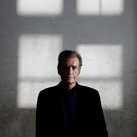 Stirling, Scotland.15.9.13.Pic Shows: William McIlvanney...Crime fiction fans are under no suspicions as they gather on a weekend to die for this Friday 13th September, as Bloody Scotland, the countryÍs International Crime Writing Festival - sponsored by the international accountancy firm Mazars - gets under way for the second year running..With a truly international line-up that includes the best-selling sensations, USA based Lee Child, Nordic writers Jo NesbÀ and Arne Dahl and ScandinaviaÍs Mons Kallentoft, the organisers of this yearÍs Festival aim to export the genius that is Scottish crime writing to the world!..Pictures Copyright: Iain McLean.79 Earlspark Avenue.G43 2HE.07901 604 365.www.iainmclean.com.All Rights Reserved.Strictly No Syndication.Free PR Use for Stirling University / Bloody Scotland.