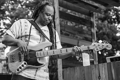 Courtney Sr, bass, New Kingston