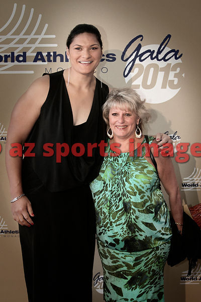 Valerie Adams and Yvonne Mullings