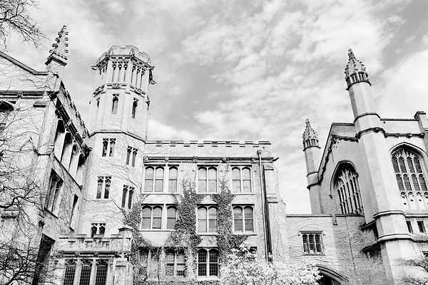 UNIVERSITY OF CHICAGO BLACK AND WHITE