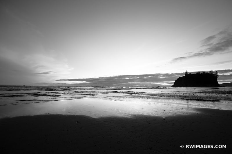 RUBY BEACH OLYMPIC NATIONAL PARK WASHINGTON PACIFIC NORTHWEST COAST BLACK AND WHITE