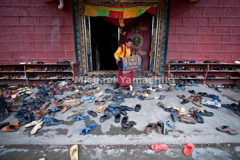 Shechen monastery. Pengyla, monk in charge of the monastery. Famous as the home of the teacher of the Dalai Lama,  Dinkokyantse Rinpoche......................................