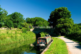 narrow boats on kennet and avon canal claverton near bath somerset england