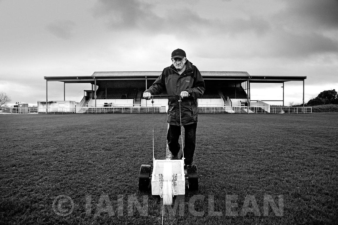 Albion Rovers..Cliftonhill Stadium, Coatbridge..11.1.14.Albion 1-0 Montrose..Picture Copyright:.Iain McLean,.79 Earlspark Avenue,.Glasgow.G43 2HE.07901 604 365.photomclean@googlemail.com.www.iainmclean.com.All Rights Reserved.