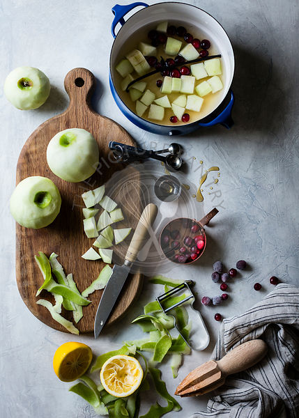 Ingredients for apple and cranberry sauce.