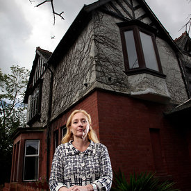 Author Caro Ramsay pictured at her home near Glasgow..4.8.14..Free First Use Only.Picture Copyright:.Iain McLean,.79 Earlspark Avenue,.Glasgow.G43 2HE.07901 604 365.photomclean@googlemail.com.www.iainmclean.com.All Rights Reserved.No Syndication