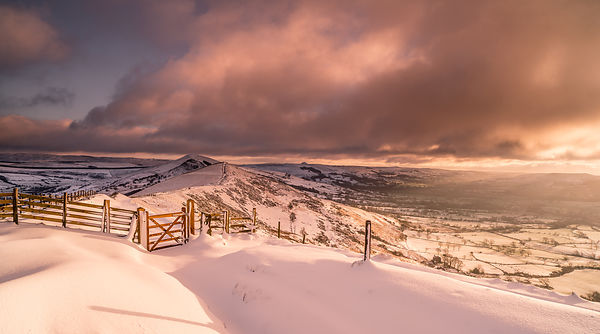 February morning below Mam Tor