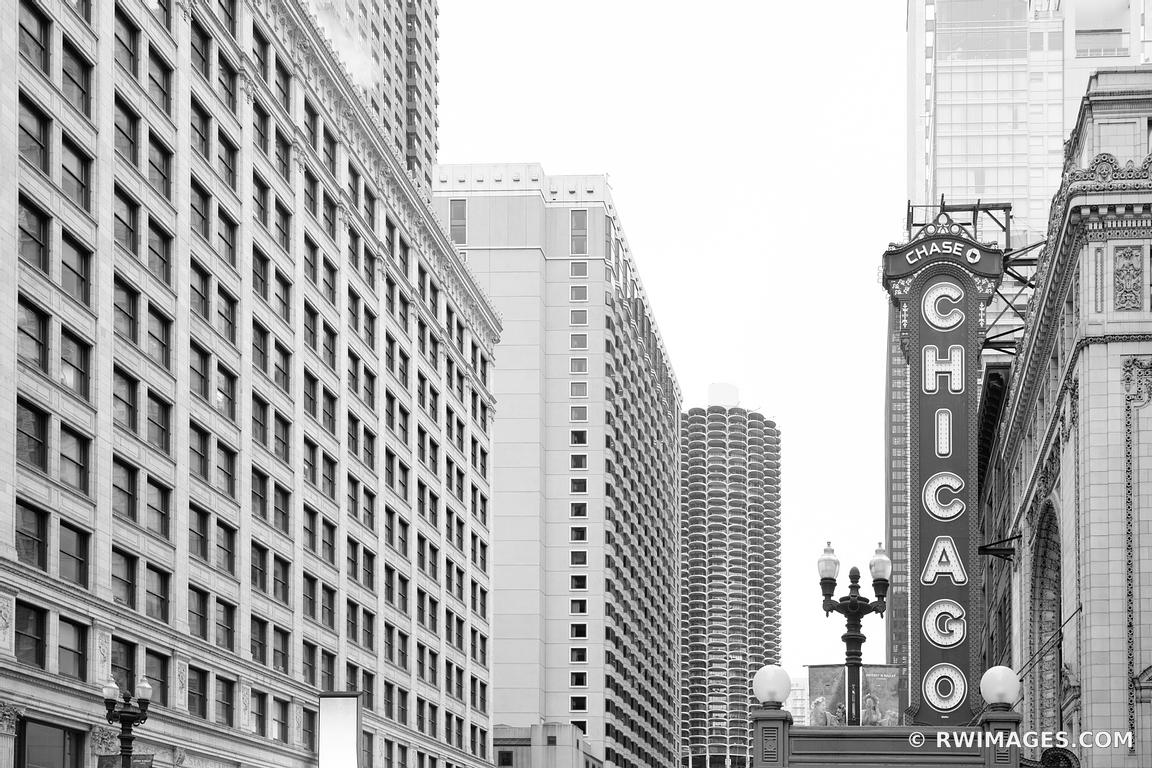 CHICAGO THEATRE CHICAGO ILLINOIS BLACK AND WHITE
