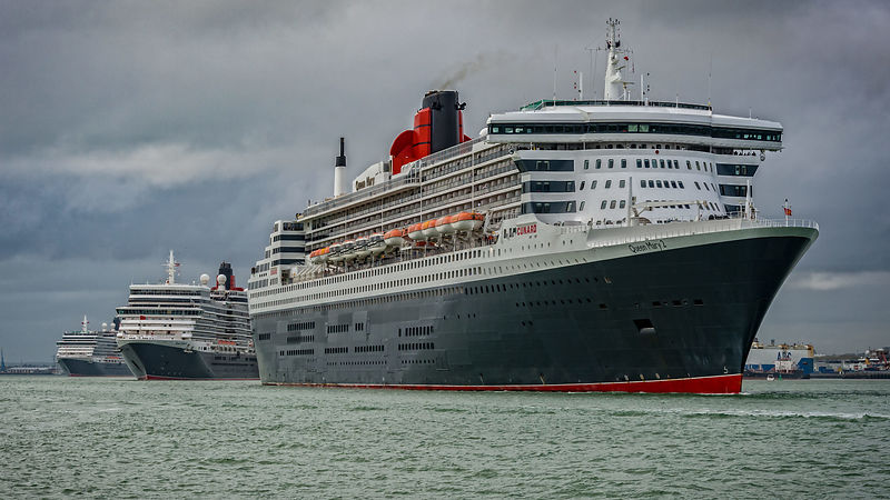 Cunard Threee Queens Leaving Southampton Port
