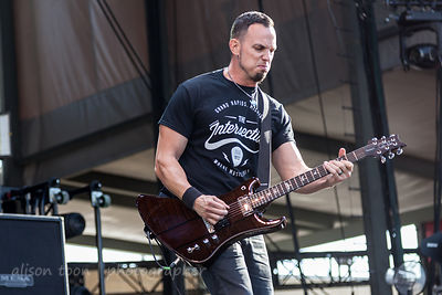 Mark Tremonti, lead guitar, Alter Bridge