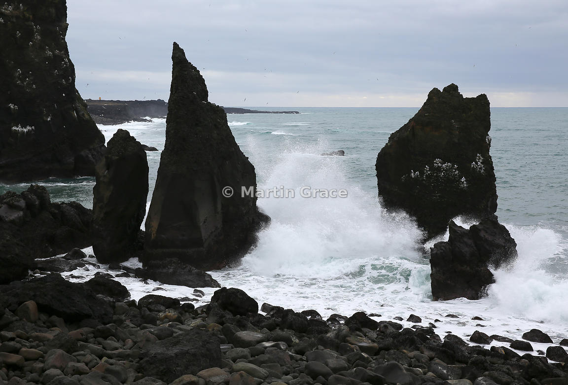 ICE_3299_Sea_Stacks_at_Reykjanesta_R_007CEA